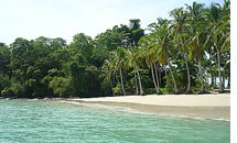 Vanuit Boquete kunt u een afspraak Panama eiland reizen naar prachtige witte zandstranden in de Golf van Chiriqui
